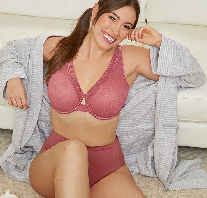 maroon bra detail